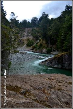 Camino al Refugio Cajón del Azul - Arg