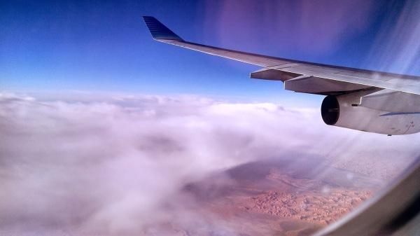 Otra del desierto y el ala del avión – sacadas con el cel