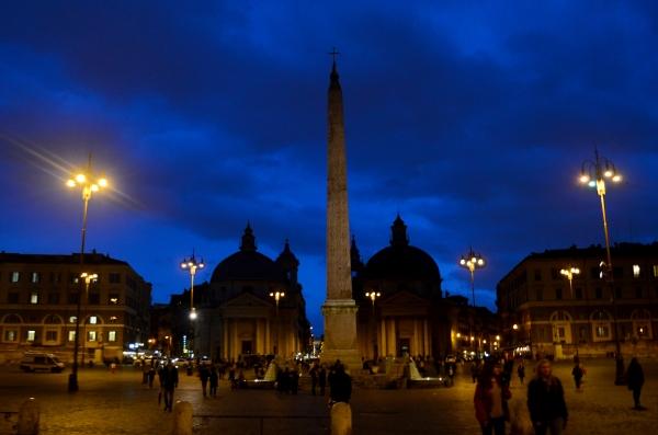 Piazza di Popolo de noche – nuestra primer noche en Roma
