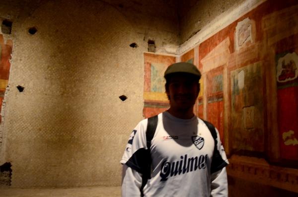 Seba en la Casa de Augusto, que fue un aristocrata en el Imperio Romano. Las pinturas de atrás tienen más de 500 años -. . . - ¿Vuelve Caruso?
