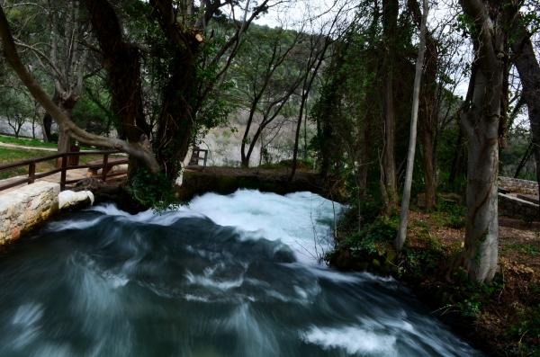 Uno de los ríos que termina en cascada