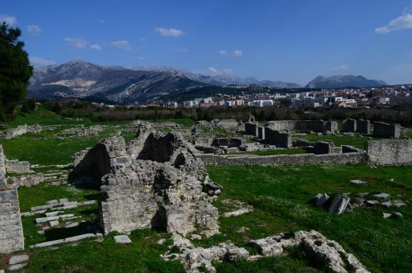 Ruinas de Salona. Más de 3 mil años tienen esas paredes jojo