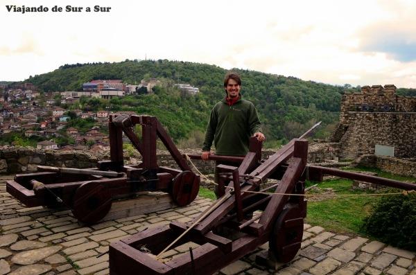 Catapulta y Balista – La felicidad de Seba en medio de armas de asedio medievales