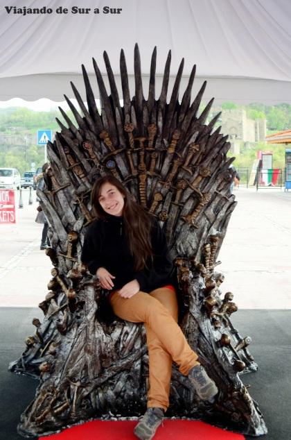 La Reina en el Trono
