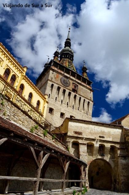 Foton de Flor – El reloj en la torre, barrio viejo de Sighisoara