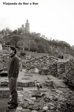 Contemplando (sin boina) – Casco histórico de Tarnovo
