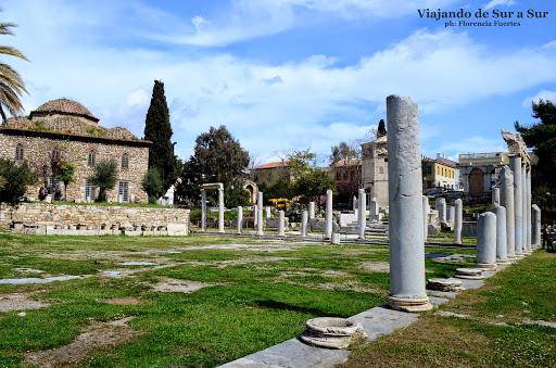 Ágora romana – Este lugar era tipo un regalo del emperador Augusto para Grecia. Buen tipo (?)