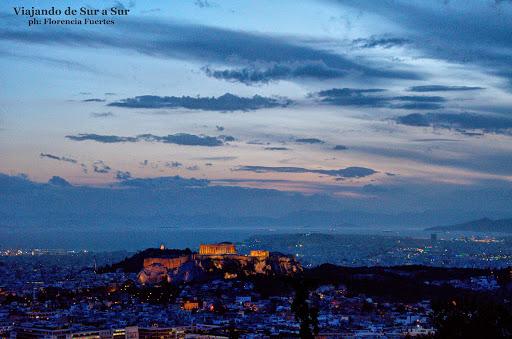 Atardecer en la colina Licabeto – La Acrópolis iluminada. ¿Lindo eh?