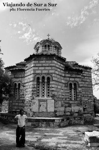 Típica iglesia bizantina, y Seba, claro