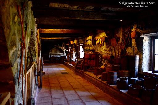 Antiguo almacén adentro del monasterio Metamorfosis, en Meteora