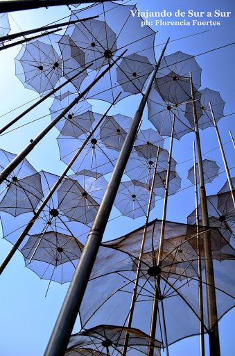 Obra de arte en la costanera de Thessaloniki