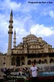 """Seba en la """"Nueva Mezquita"""". La casaca de QAC presente"""