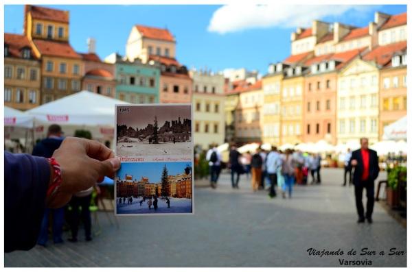 Cerramos con esta muy linda foto. En la mano, una postal con el antes y después de la destrucción. De fondo el mismisimo lugar que se ve en la postal...
