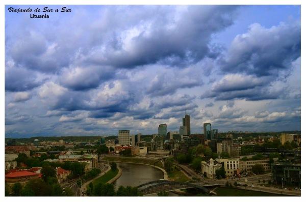 Panorámica de Vilnius. Sí, esto es una capital, plagada de edificios (?)
