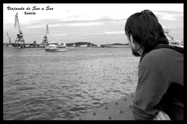 Seba contemplando el puerto