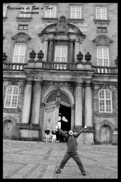 Seba feliz a la salida del Christiansborg Palace
