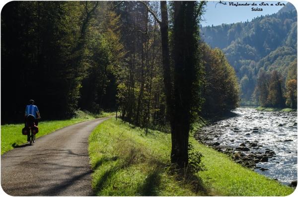 """Siguiendo la ruta n° 9 """"Ruta de los lagos"""" en Suiza"""