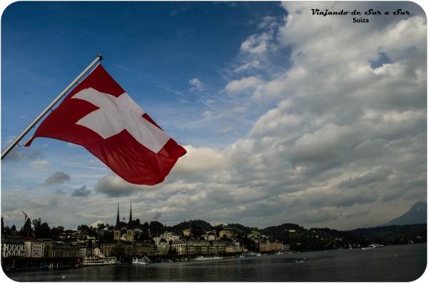 La bandera flamea en Lucerna