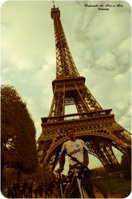 La bici, Seba y la Torre Eiffel