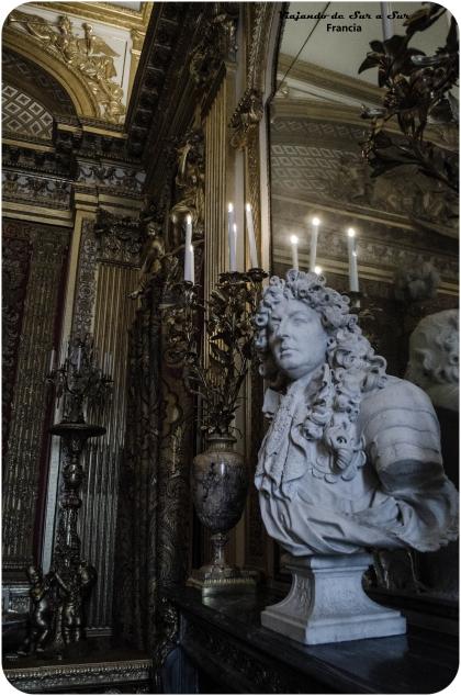 Louis XIV, el Rey Sol, esculpido en Versalles